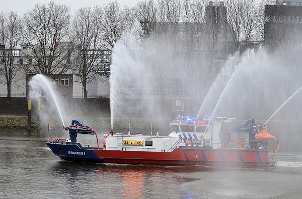 Speciale blusboot voor Bremer Haven