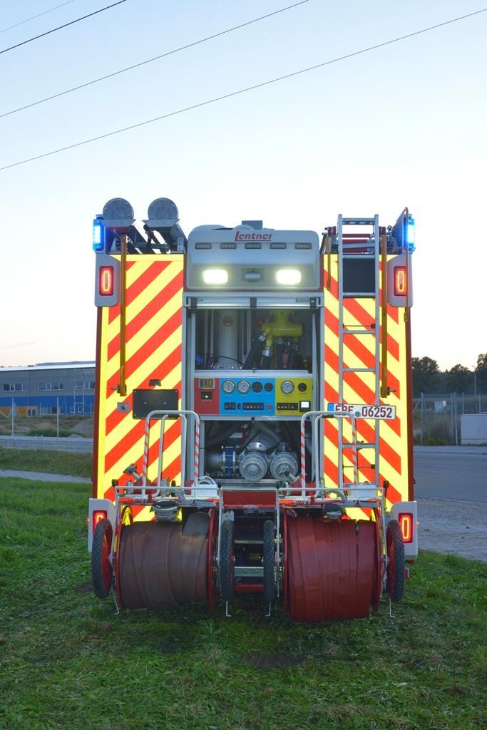 Schuimblusssysteem voor industrieel brandblusvoertuig