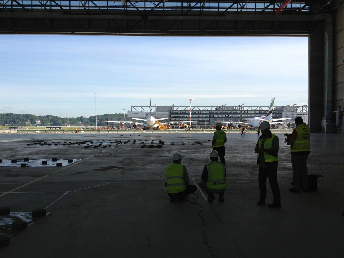 Geslaagde oplevering vliegtuig hangars te Hamburg